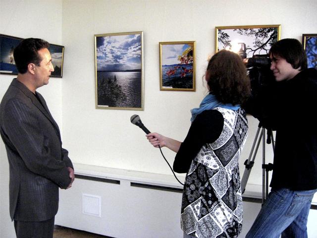 Автор выставки дает интервью программе Новости культуры