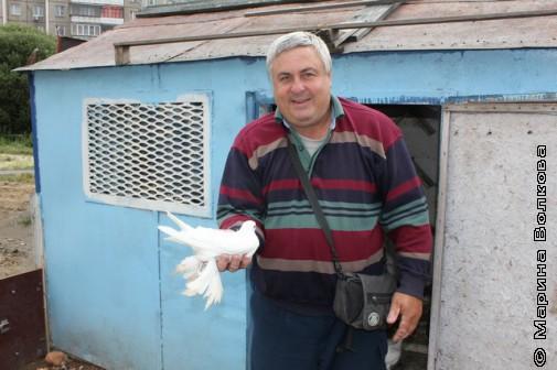 Андрей Воробьёв с любимым голубем