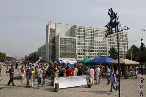 Кузнечный фестиваль под железным флагом