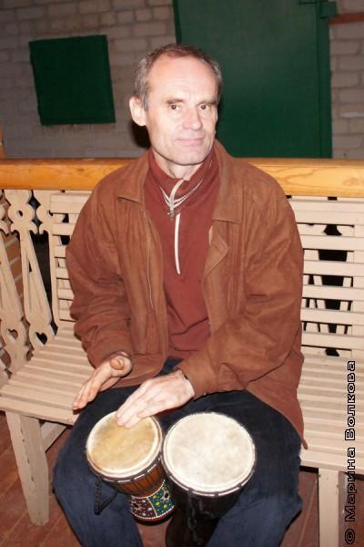Разгонять облака можно на шаманском барабане