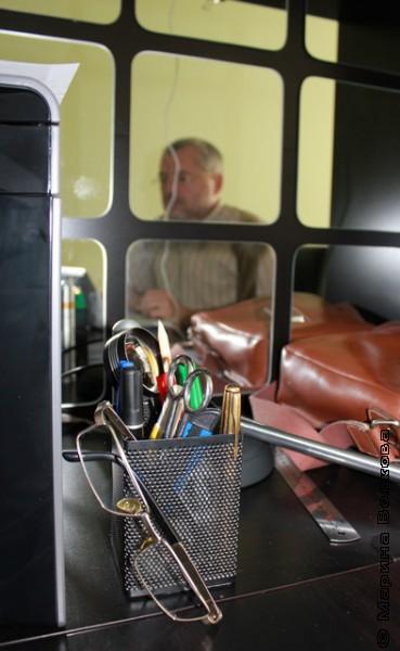 Медведев в своем кабинете