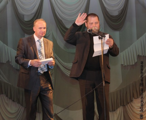 В.В.Харюшин и А.Б.Титов объявляют следующего лауреата
