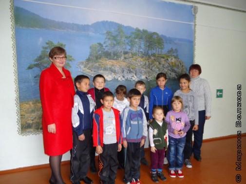 Русская учительница и татарские дети