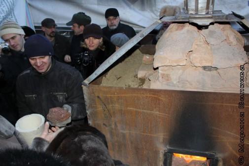 Дворик с печью для выплавки булата