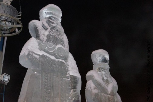 "Дед Мороз и Снегурка у ""Авроры"""