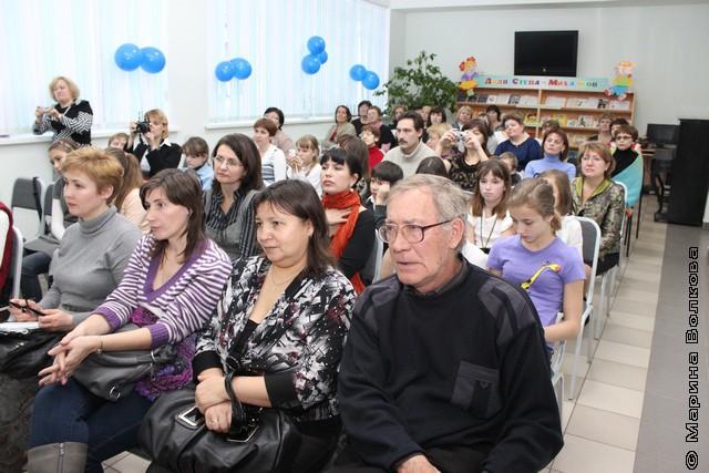 Ю.Ф.Ильясов в детской библиотеке имени С.Михалкова