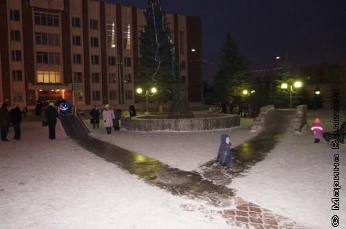 У администрации Калинского района