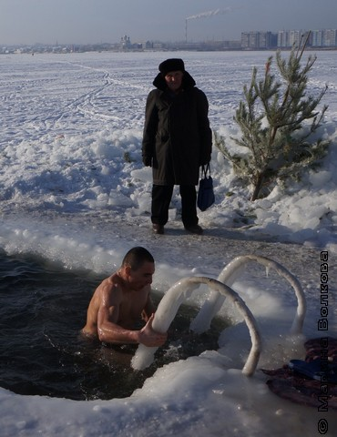Прорубь на озере Смолино
