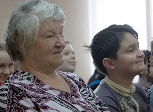 Бабушка слушает стихи