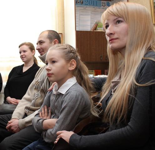 Дети и взрослые вместе