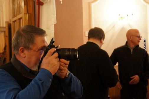 Весь вечер работали фотографы и видеооператор