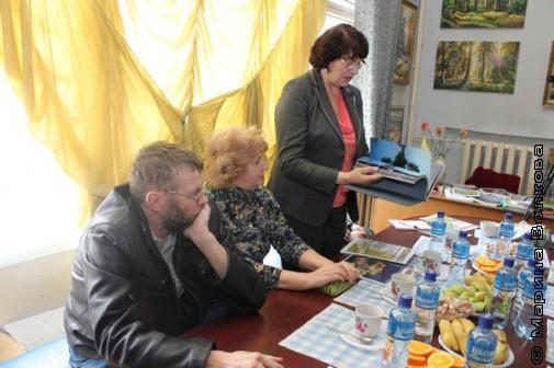 Татьяна Корецкая (в центре) - автор многих книг по краеведению