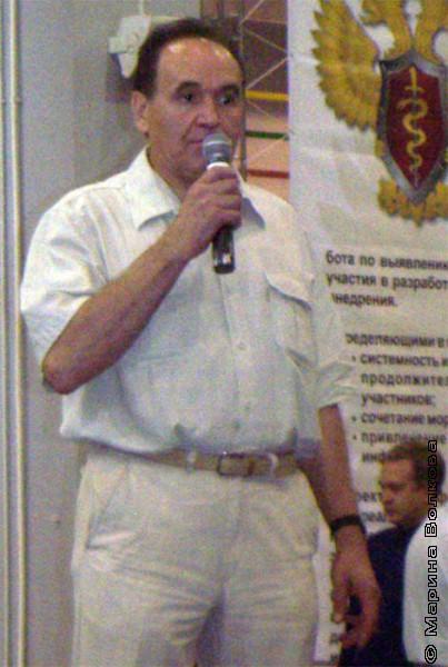 Вячеслав Николаевич Скворцов открывает Читательский марафон № 1, август 2006