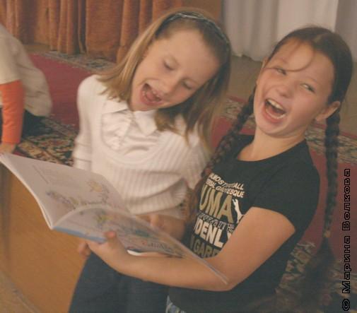 Девочки читают стихи Николая Шилова
