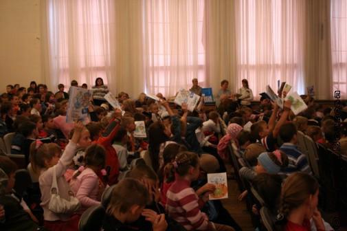 Читательский марафон Николая Шилова. В руках у детей - его книги