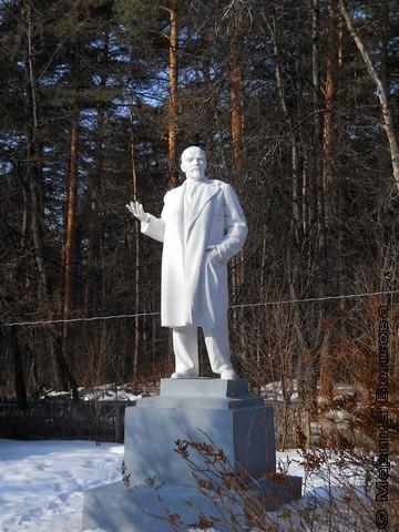 На Увильдах даже Ленин расслабленный, не указует, а философствует