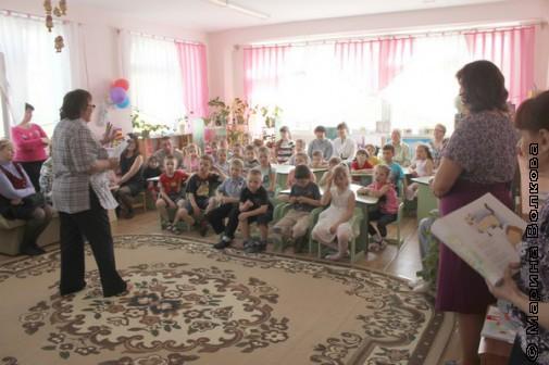 Татьяна Сергеевна Александрова представляет поэтов детям