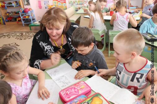 Наталья Крупина с детсадовцами
