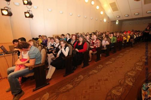 Зал в ЧГАКИ по время проведения фестиваля Самсусам