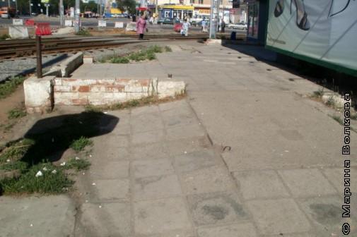 Асфальт на тротуаре