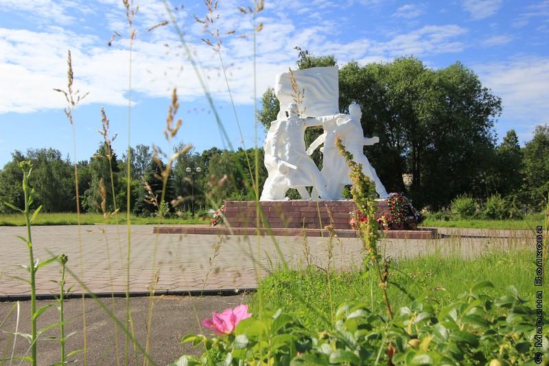 Ростов Великий, памятник революционерам