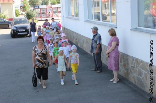 Дети идут на Читательский марафон