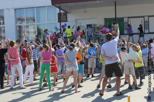 Танцевальный флешмоб в Миасском