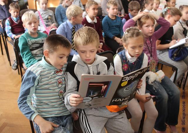 Дети начинали читать прямо на фестивале