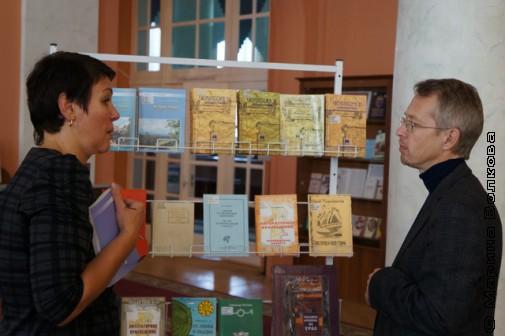 Выставка книг на Битве мифотворцев