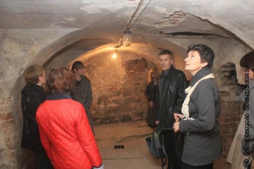 Писатели в подземелье