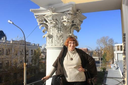 Марина Волкова на балкончике Малой Герценки