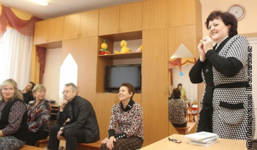 Елена Раннева на Читательском марафоне с трехлетними детьми