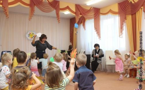 Дети танцуют стихи Елены Ранневой