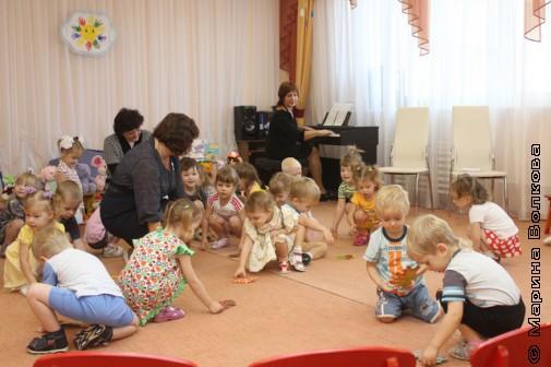 Дети играют в стихи Елены Ранневой