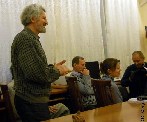 Автора поздравляет Николай Бондарев, слушатель Литературной мастерской