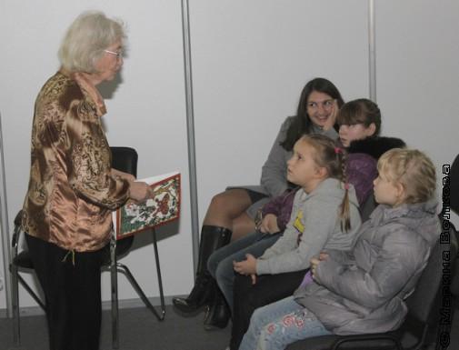 Северина Школьникова и правильная мама с детьми