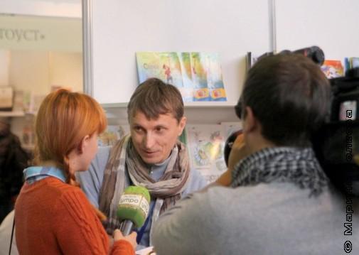 У Михаила Придворова берут интервью красноярские журналисты