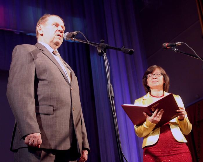 Учредитель премии П.П. Бажова Н.И.Тимофеев и ведущая церемонии Н.А.Ягодинцева