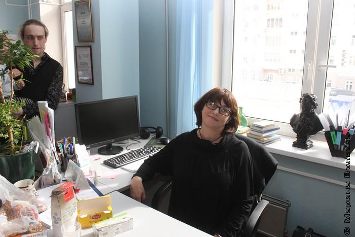 Елена Соловьева на своем рабочем месте (Грантса выселили)