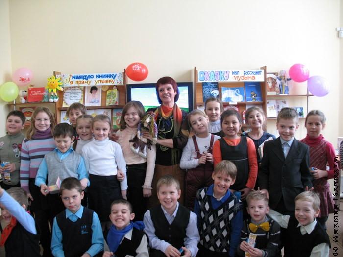 встречи детей  с поэтессой Ниной Васильевной Пикулевой.
