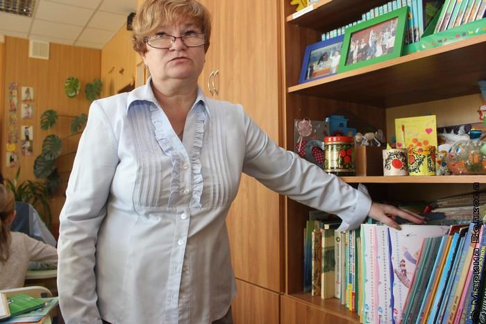 Е.В.Воробьева и библиотечка книг нашего издательства