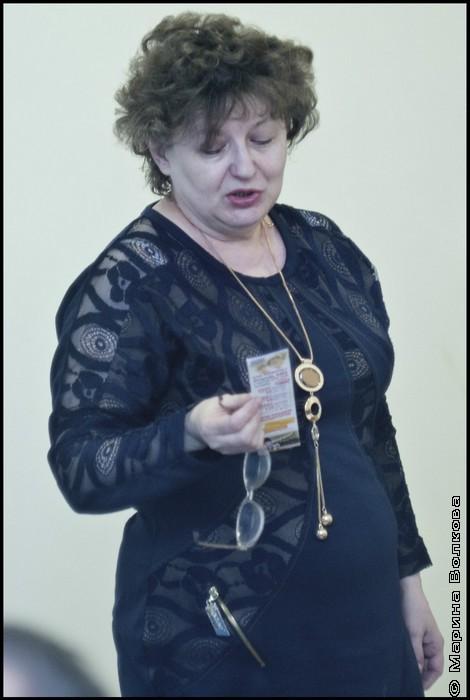 Ольга Анатольевна Просекова, заведующая  13 библиотекой