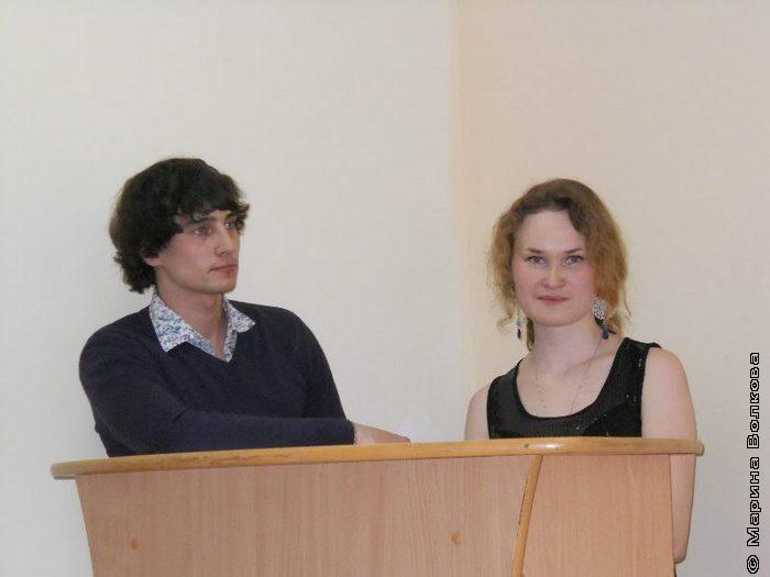 Ведущие церемонии награждения Роман Япишин и Виктория Иванова