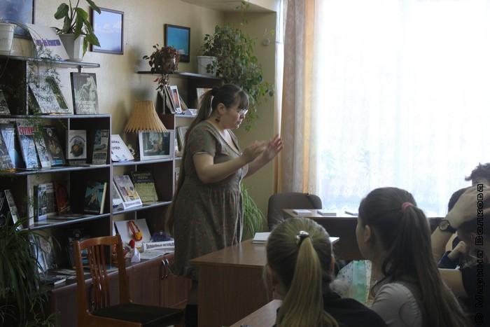 Римма Аглиуллина ведет Читательский марафон в Миассе