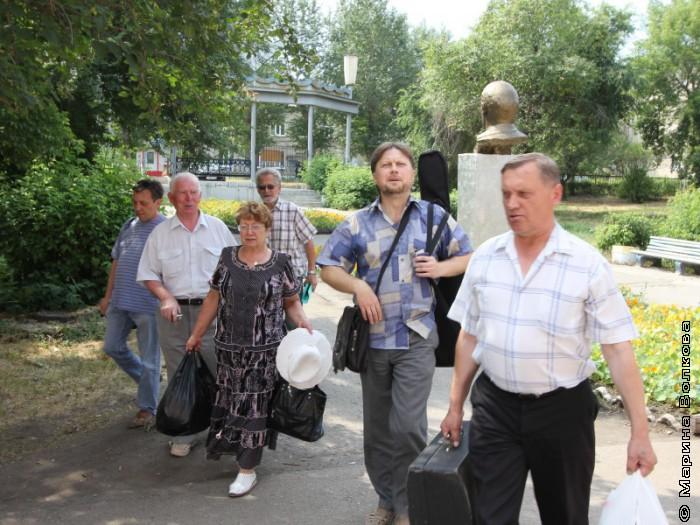 ЛИТО Каменска-Уральского марширует на пристань