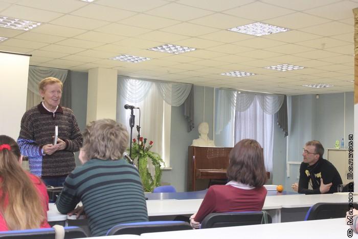 """Лев Быков на презентации книги """"На достаточных основаниях"""""""