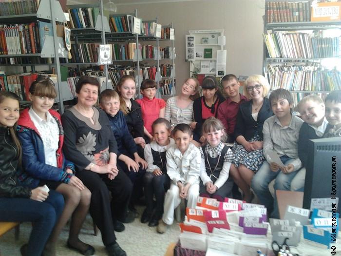 музыкальный коллектив «Краснопольские самоцветики» в библиотеке