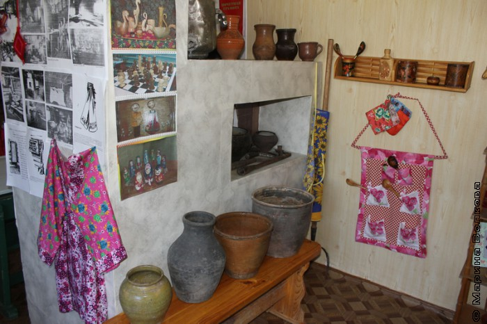В школьном музее п.Каратабан