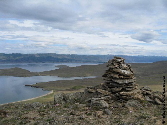 Байкал, о.Ольхон. Обо над заливом Хул