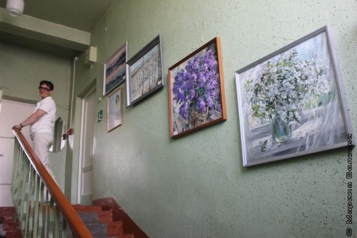 Картины в библиотеке